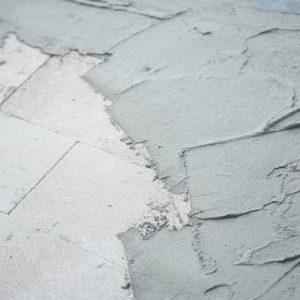 rénover un mur avant de le peindre